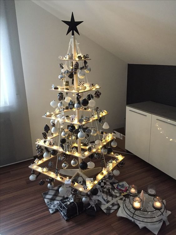 40 Unusual Cool Christmas Tree Alternatives 2019 Cool Christmas Trees Alternative Christmas Tree Creative Christmas Trees