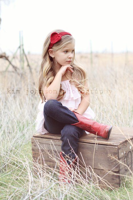 LOVE this, had a pair of boots just like these! My daughter will too :)