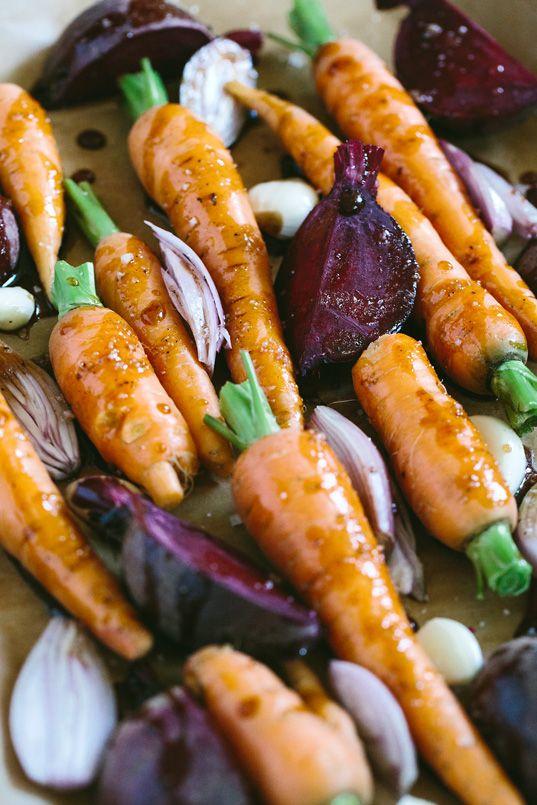 Das erste regionale Sommer-Gemüse, im Ofen zubereitet und mit Kartoffel-Sellerie Püree serviert.