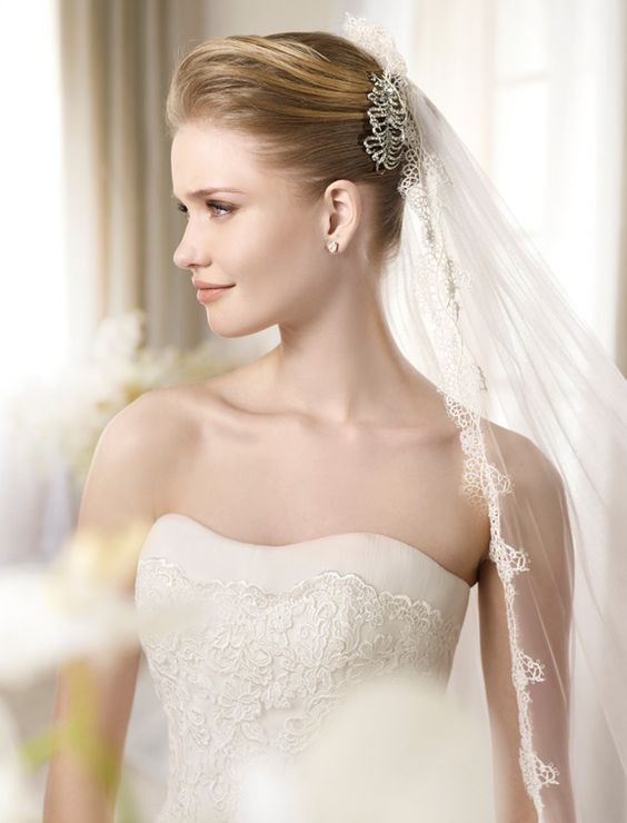 ATLANTA / Wedding Dresses / Fashion 2013 Collection / San Patrick (close up)