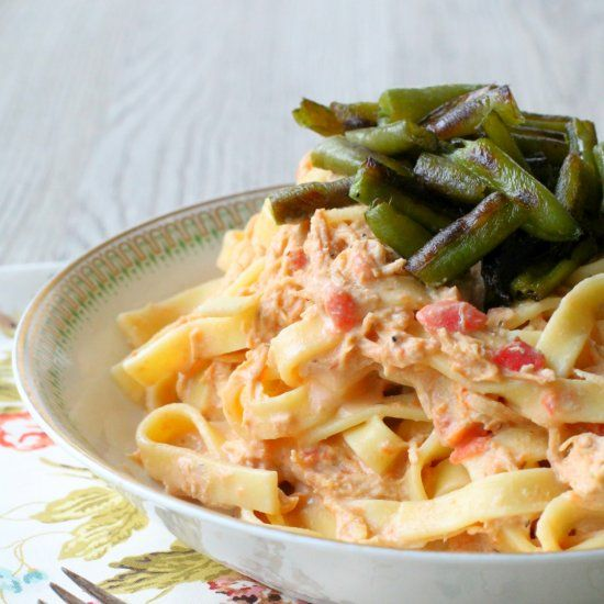 Slow Cooker Italian-style Chicken and Noodles with Green Bean Croutons!