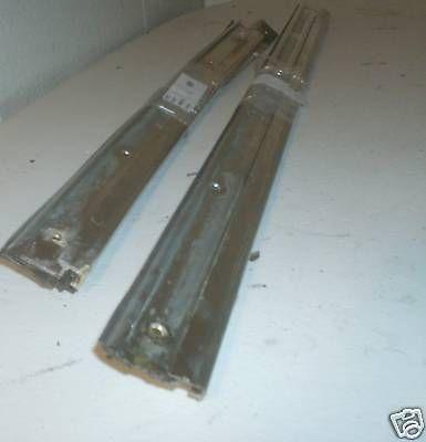 Front Garnish & Sealing Rail 450SLC Left 1077251565 1076980980