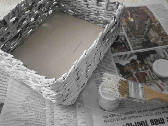 Manualidades herme diy como hacer una cesta de papel de peri dico tutorials pinterest - Cestas de papel periodico ...