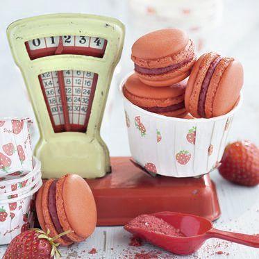 Erdbeer-Macarons Rezept | Küchengötter