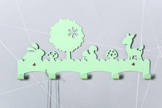 Engeltjes & Draken   Eina Design   Kapstok woodland mint #einadesign #mint #mintgroen #woodland #bosdieren #kapstok #kinderkamer #babykamer