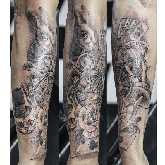 #tattoosmarcao #marcaotattoo #alicetattoo #chadaalice #disseocoelho #relogiodaalice #alicenopaisdasmaravilhas