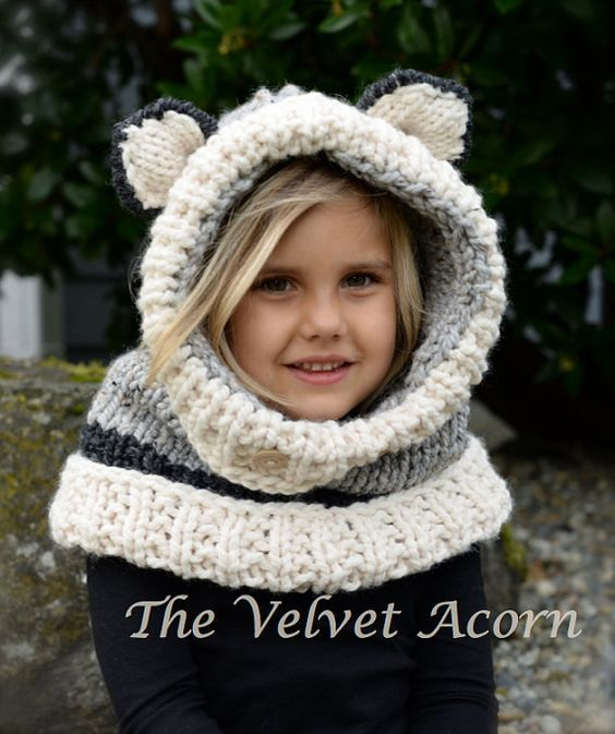 Wolf Knitting Pattern : Wren, Cowls and Wolves on Pinterest