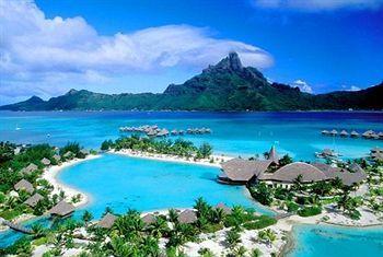 Le Meridien Bora Bora. I SO want to go here!