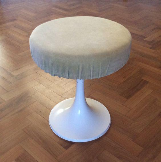 Tabouret Vintage style chambre chaise vanité par TheLittleIrishShop