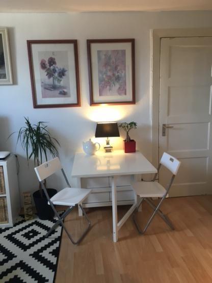 Liebevoll eingerichtete 2-Zimmer Altbauwohnung - befristet - Wohnung in Hamburg-Ottensen