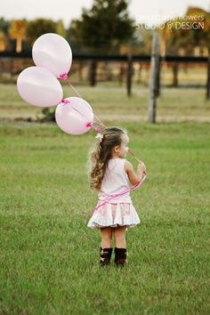 @Kendra Henseler Henseler morgan….we should totally give aubs balloons for her photoshoot! | best stuff