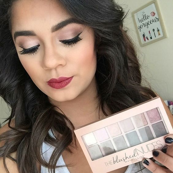 First day of October has me feeling the Fall weather..why not start it off by using the @maybelline The Nudes Blushed Palette Divine Wine Matte lipstick. #beauty #ad @walgreens