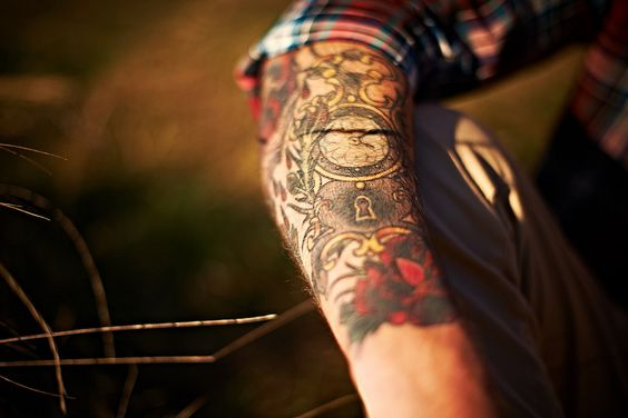 "I would love to rock a sleeve. Expecially one like this because it ""flows"" but.. my parents would kill me."