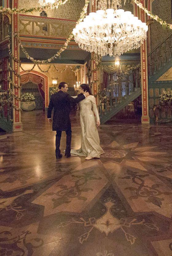Jessica De Gouw And Jonathan Rhys Meyers