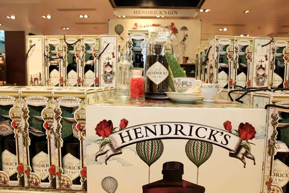 Hendrick's Gin creates theatre with 'science experiment' in Hamburg | TheMoodieReport.com
