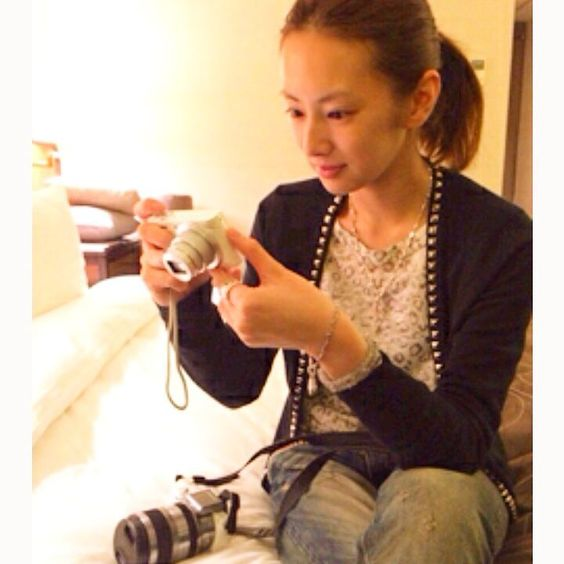 カメラを確認する北川景子