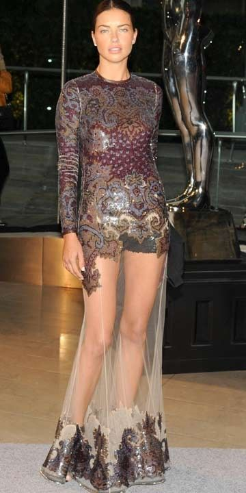 10 Celebrity Wardrobe Disasters | Style & Beauty | iDiva