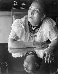 María Izquierdo -- Mexican artist   1902 - 1955 www.museoblaisten.com/v2008/indexESP.asp?myURL=artistDetailSpanish&artistId=141