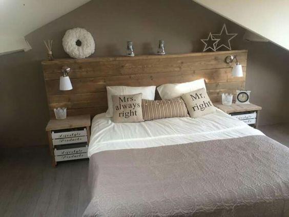 """""""Patrice""""   Bed van steigerhout met witte kistjes (Xenos) als nachtkastje"""