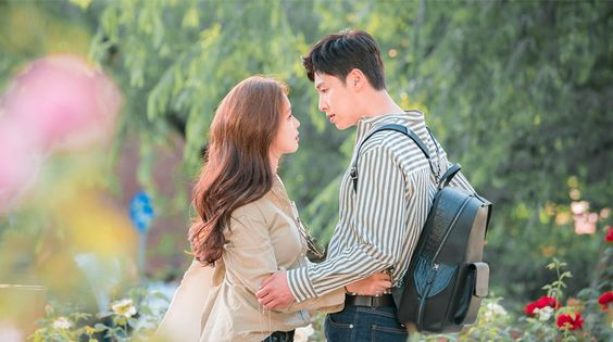 Meloholic - Yoo Eun Ho (U-Know Yunho) has the special ability to be able to read other people's minds when he touches them. Due to his special ability, he doesn't open himself up to anyone. One day, he meets Han Ye Ri (Kyung Soo Jin) and he is able to discern that what she says is actually what she thinks, but he also learns that she has two distinct personalities.