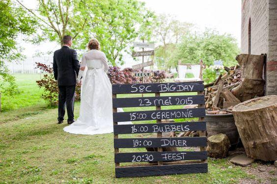 Styled shoot: rustieke bruiloft op de boerderij   ThePerfectWedding.nl