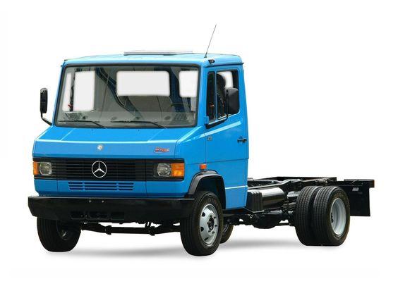Mercedes-Benz 711 Plus