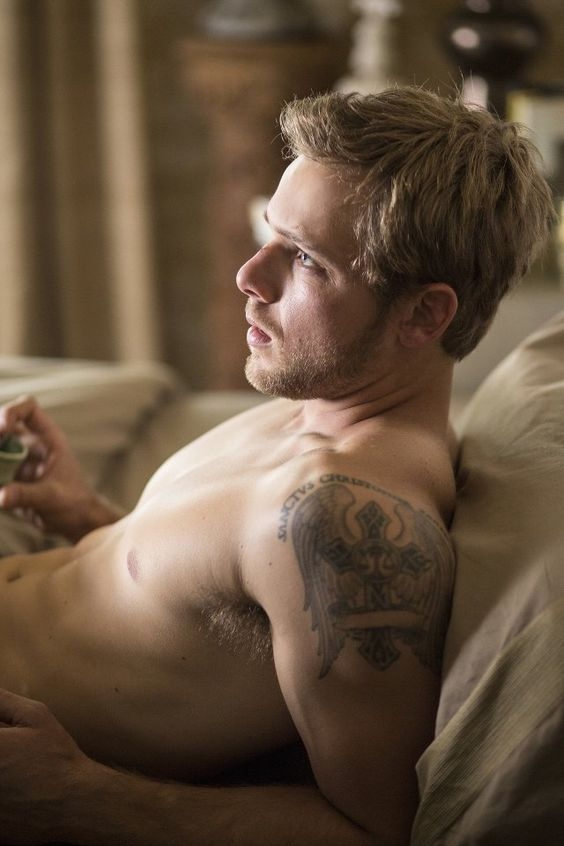 I'd like to wake up to this. Max Thieriot with his shirt off again.