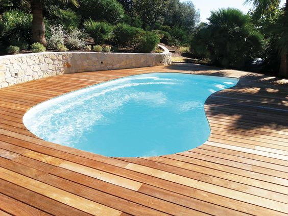 Contours on pinterest for Piscine coque blanche