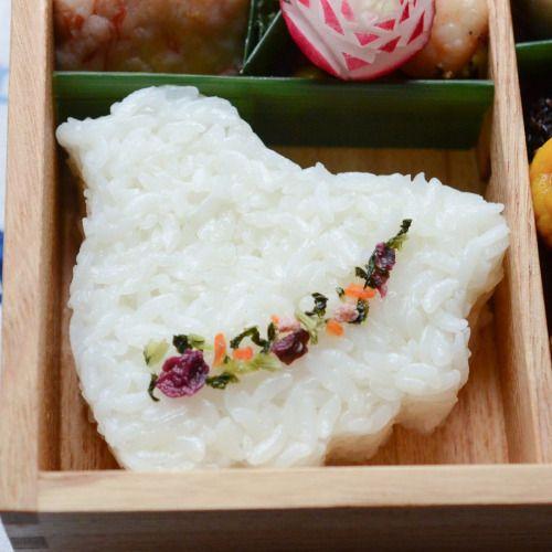 posted by @xxmizukaxx 今日のオベントクローズアップご飯は千鳥の物相型で#お弁当 #弁当 #重箱...