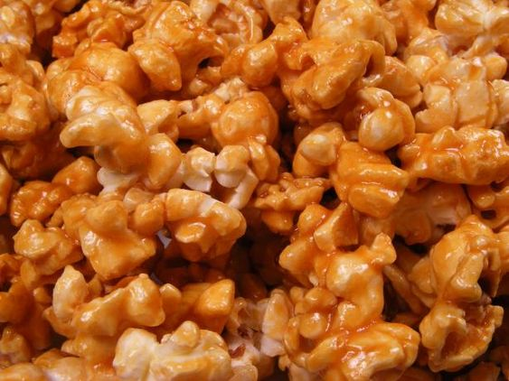 how to make quick caramel popcorn