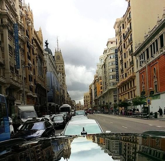 Gran vía de Madrid.