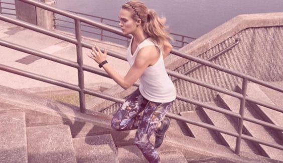 Video: Carrie Underwood launches videos for new athletic leisure clothing line ... Carrie Underwood #CarrieUnderwood