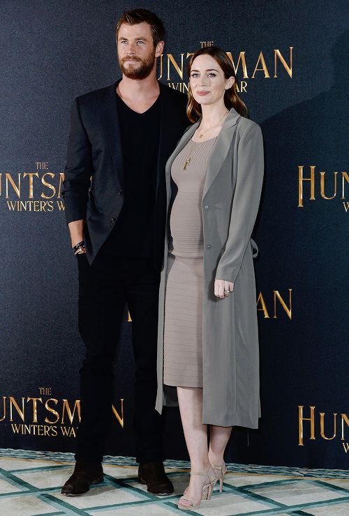 the huntsman and the ice queen premiere emily blunt - Pesquisa Google: