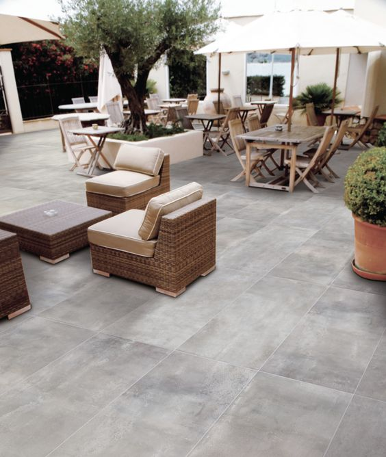 Grès cérame béton gris   argent antidérapant 802 mm x 400 mm - photo terrasse carrelage gris