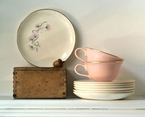I had these dishes!  Should have kept them - but tastes, styles, colors change over the years - but these are still gorgeous