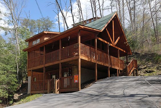 Dream Haven - Pine Haven 372 - Luxury chalet in Pigeon Forge Tennessee