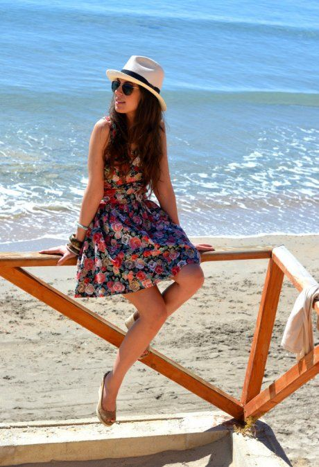sombrero para vestido floral