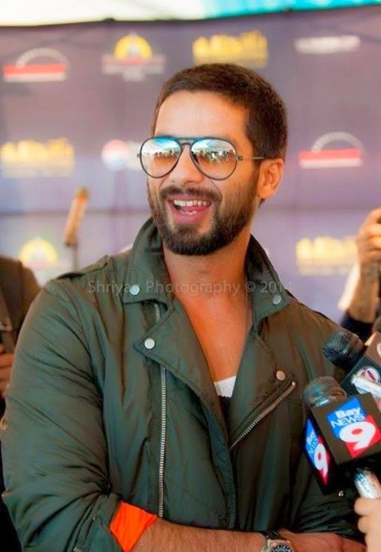 Shahid Kapoor Short Hairstyle Shahid Kapoor Bollywood Stars Cute Actors