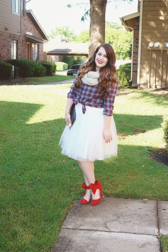 #style #styleblogger #fall #fallfashion #plaid #bowheels #blogger #fashionblogger #tulle