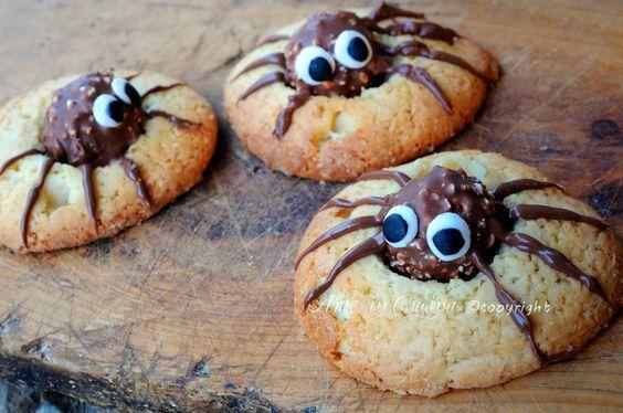 Biscotti di halloween ragnetti con ferrero rocher, ricetta facile, biscotti per bambini, idea veloce per festa, dolcetti di halloween, ricetta biscotti al burro, veloci
