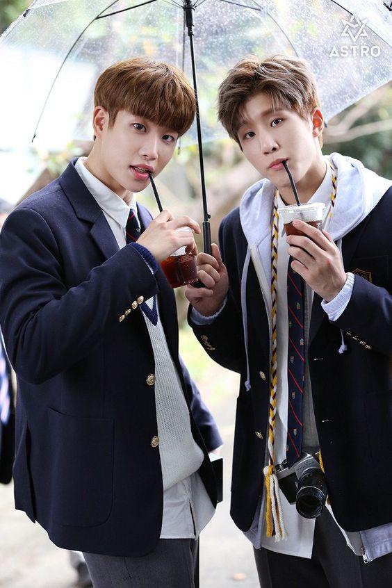 [14.12.16] Astro official Fancafe - MyungJun e JinJin