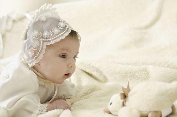 Die schönsten Taufsprüche: Bibelzitate   Den richtigen Taufspruch für das Kind zu finden, stellt sich bei der großen Auswahl an Versen oft als eine schwierige Aufgabe heraus. Wir haben für Sie eine schöne Auswahl an Bibelzitaten gesammelt.