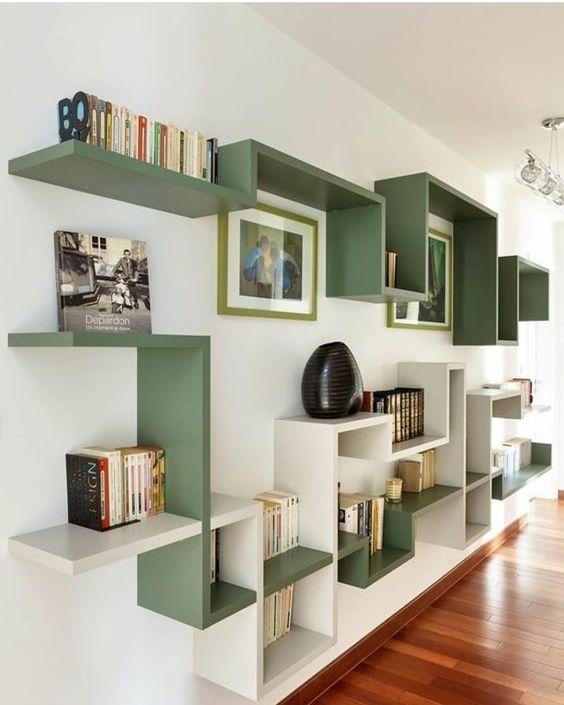 Green book shelves Не хотите делать скучный книжный шкаф? Ну, так и не делайте! Закажите прикольные книжные полки.…»