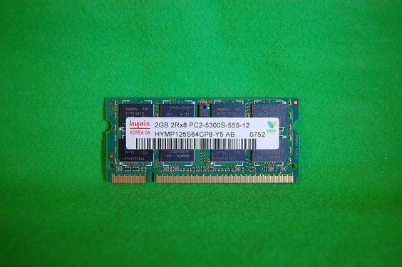 Notebook RAM 2GB Hynix HYMP125S64CP8-Y5  PC2-5300 CL5 DDR2 667MHz 200p 1,8V