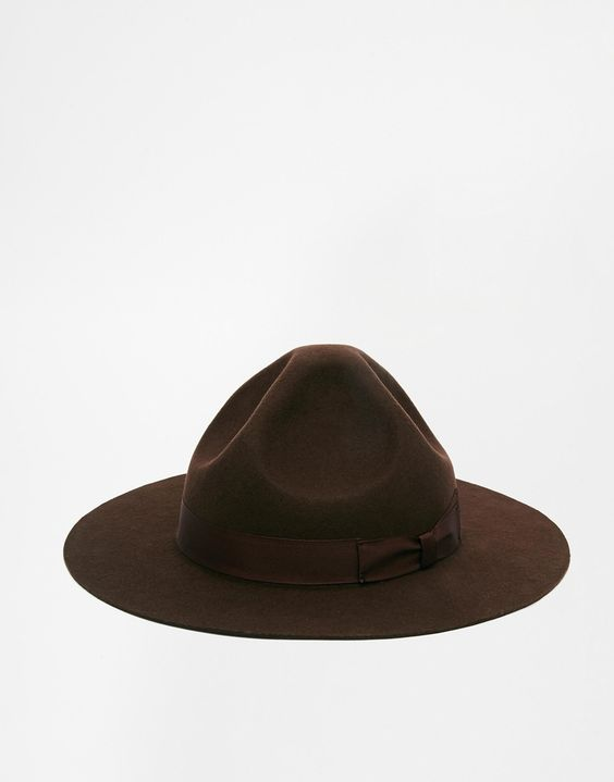 Mountie Hat ASOS €30