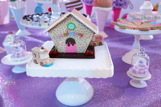 Events: gingerbread making at the holidays