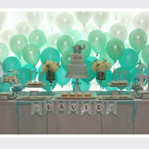 Lindo baby shower #babyelephant adorei o fundo com balões em degrade #chadebebe #babyshower #mae_festeira imagem by #pinterest