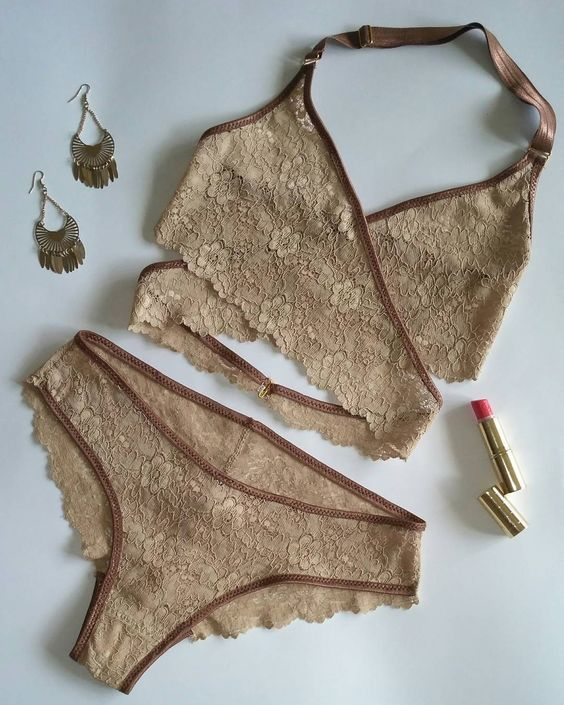 Кружевное белье для девочек фото вакуумный массажер груди видео