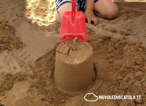Un gioco semplicissimo alla portata di tutti i bimbi e che potrete fare comodamente sedute sul lettino da spiaggia.