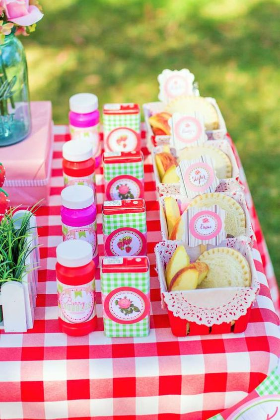 Strawberries birthday party ideas aperitivos para ni os - Ideas cumpleanos ninos ...